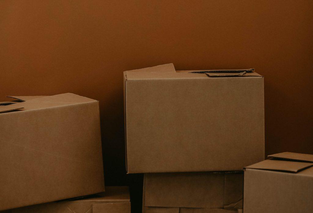 költöztetés és dobozok